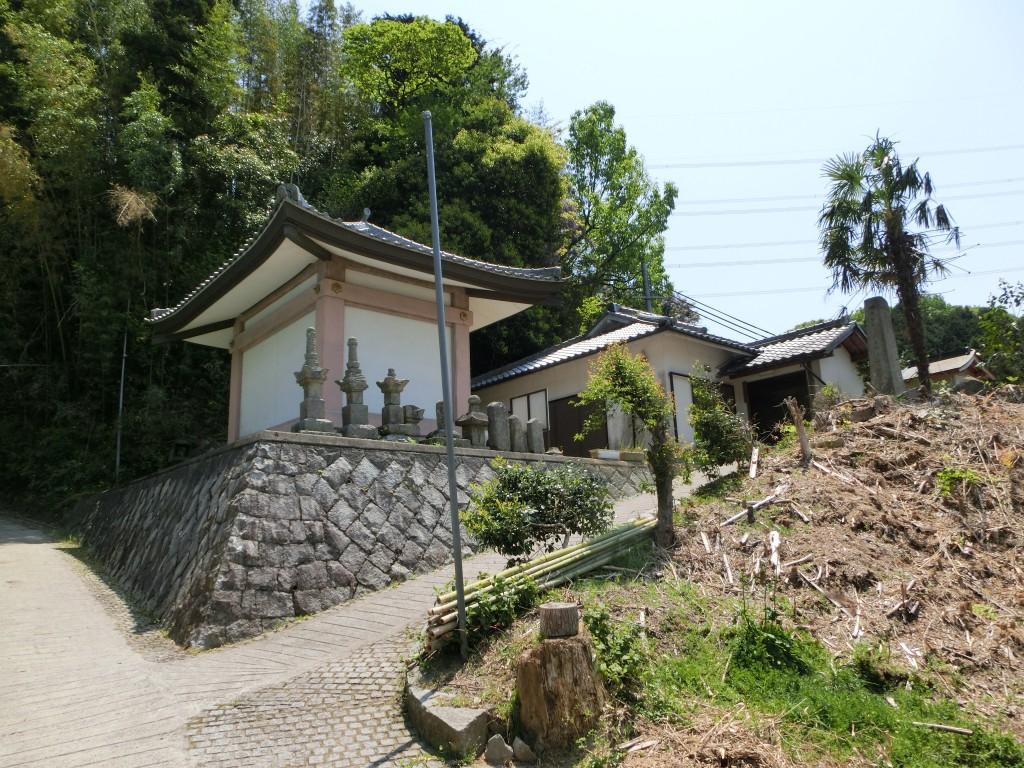 Hachiyo Rengeji (the Hachiyo Rengeji Temple)